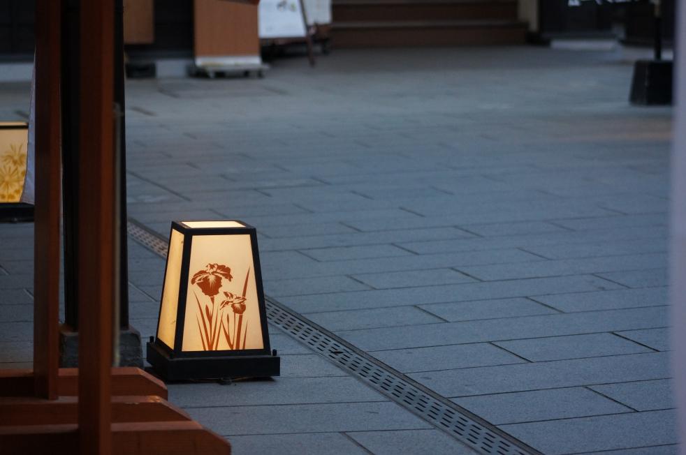 桜の馬場城彩苑 灯篭